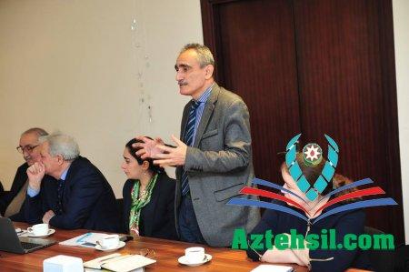AzMİU-da dünya şöhrətli alim akademik Roald Saqdeyevlə görüş olub